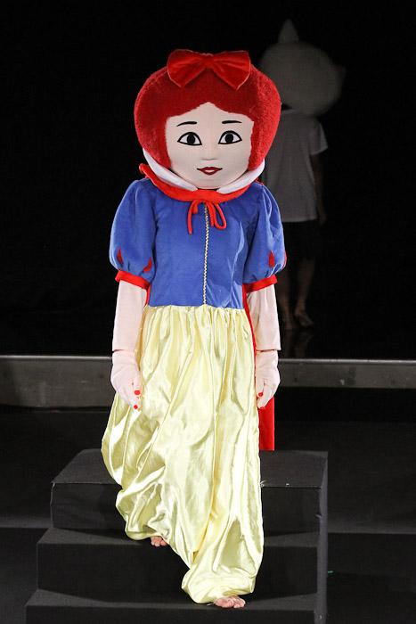 Fashion2010102201